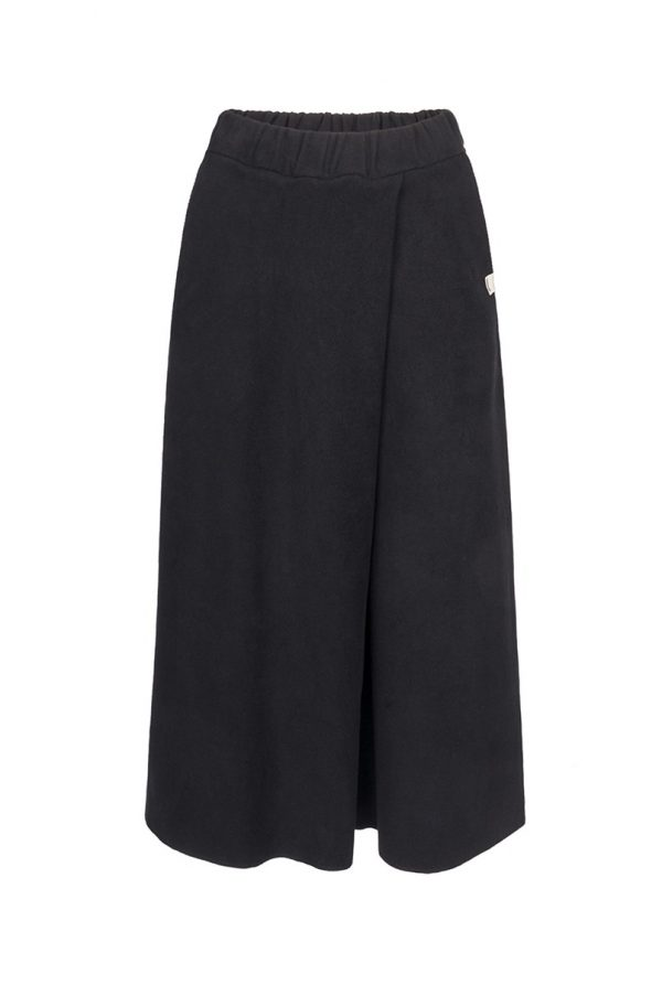 29.BLACK Oversized Shorts_CP.aw1718_200€